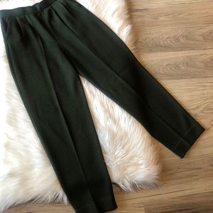 St. John Pleaded Knitted Olive Green Pants Size 8